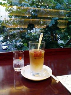 2008/11/03 札幌紀伊國屋書店イノダコーヒーにてアイスカフェオレ