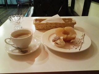 2008/12/26 old new cafe 濃いコーヒーとりんごのコンポート