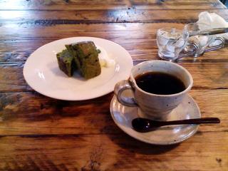 2008/12/28 リーヴズ 抹茶と小豆のパウンドケーキとコーヒー