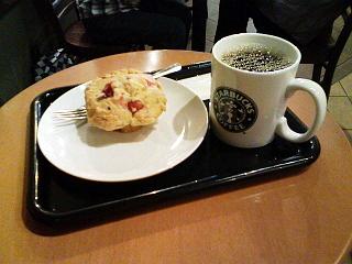 2009/06/20 スターバックスコーヒー新宿ダイアンビル店 ドリップコーヒーとマフィン