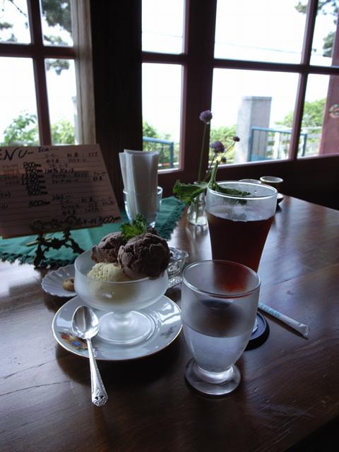 2009/07/05 ティーショップ夕日(旧函館消毒所) アイスクリームとアイスティー
