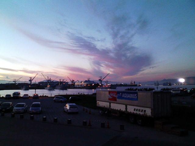 2009/08/11 緑の島から西埠頭を望む
