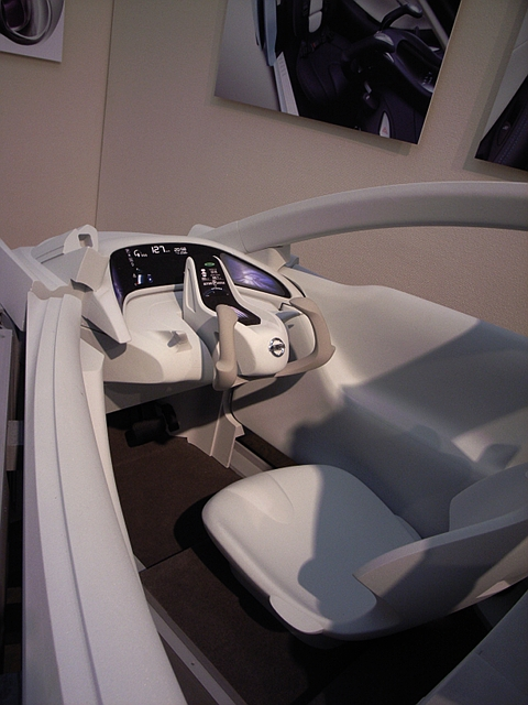 2009/11/01 日産ランドグライダー 内装モックアップ
