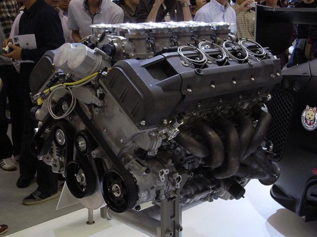 2009/11/01 レクサスLFAレースカー用エンジン