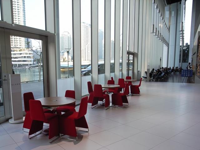 2009/11/07 グローバル本社ギャラリー 内部テラス側