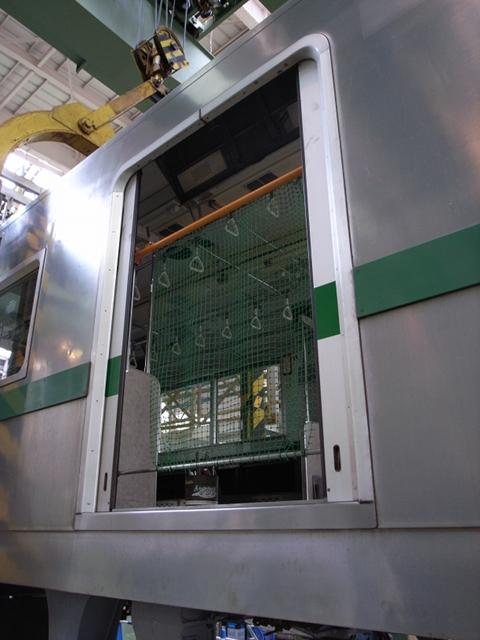 2009/12/05 東京メトロ6000系 作業用防護柵