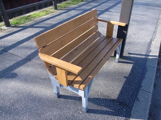 2009/12/23 木製ベンチ