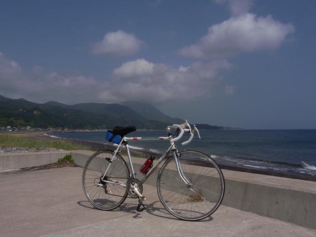 2010/08/16 道の駅「なとわえさん」から恵山岬方向を望む