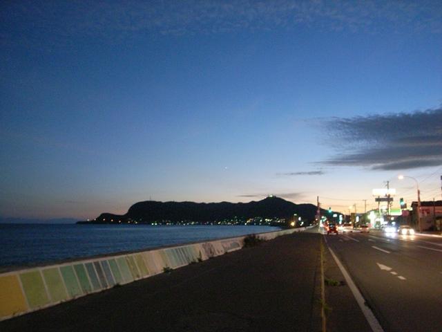 2010/09/05 いさり火通り宇賀浦町付近から函館山を望む