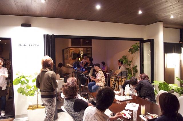 2010/09/12 cafe TUTU 演奏中