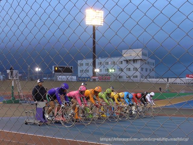 2011/05/02 函館競輪8R出走準備中
