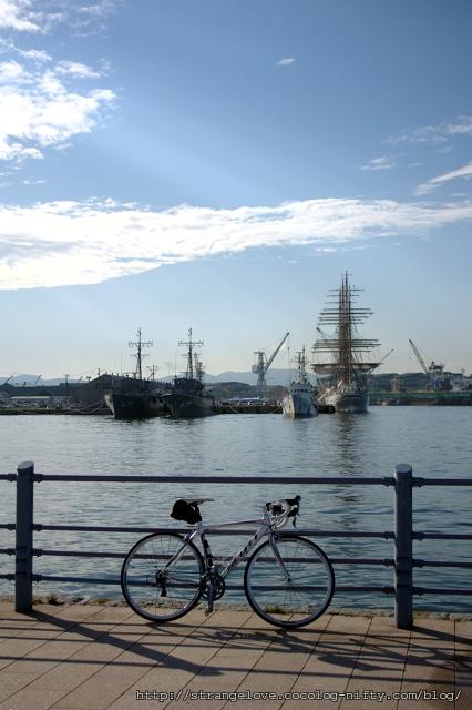 2011/08/21 緑の島から西埠頭を望む