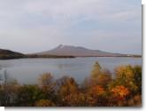 071028 大沼湖畔より駒ヶ岳を望む