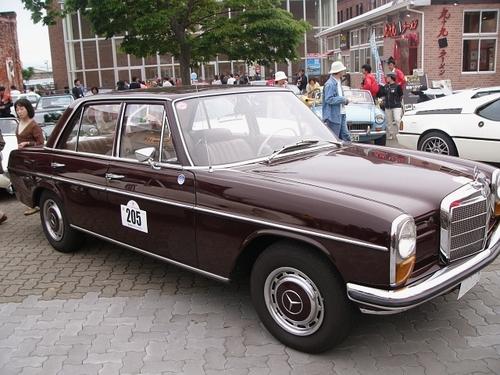 #205 1968年 メルセデス・ベンツ200